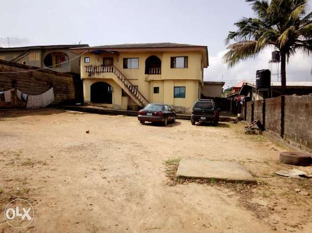 Building of Two unit of three bedroom at Igando Alimosho - image 1