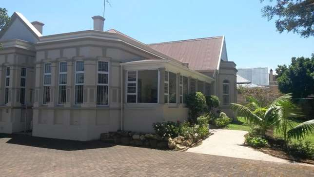 Neat & spacious rooms available in ideal Southernwood location Southernwood - image 1