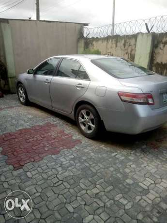 Super sharp 1st body neatly used red 2010 Toyota Camry Ipaja - image 3