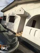 Lovely 6 bed room flat for sale at idimu titun.