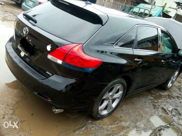 Neatly used venza up for grab Port-Harcourt - image 1