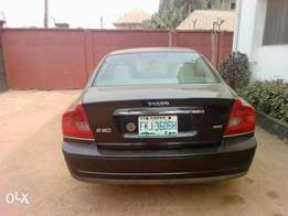 Very clean n good full option 06 Volvo s80 for sale..