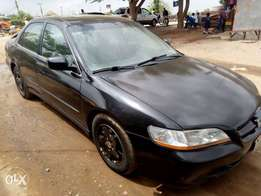 Clean V6 Honda Accord 2000 up for sale