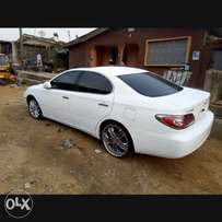 ES300 White Tokunbo with DVD