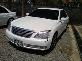 Toyota Crown 2008 at 980k