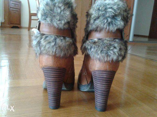 Evento buty botki na obcasie słupek 24,3 polski futerko