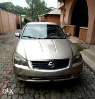 Nissan Altima 2005 for 800k