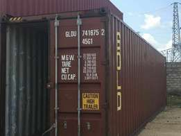 Containers 20 ft and 40 ft clean