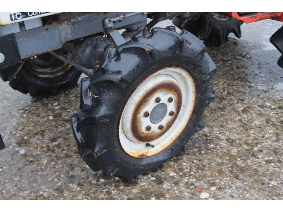 Shibaura P15F 4WD Mini Tractor Met Weidesleep En Schuif - image 9