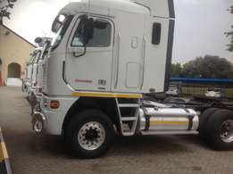 Freiht liner 500 Isx. in Excelent. condition. whsts app pls