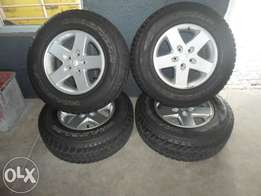 """17"""" Jeep Rims and Tyres 245/75 R17"""