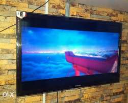 Uk used Samsung smart 40inch ultra HD tv ultra slim internet access