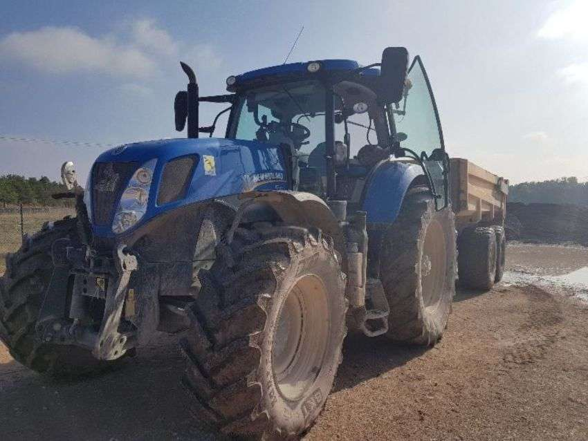 New Holland t7.220 - 2015