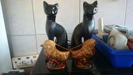 2 cat/birds ornaments