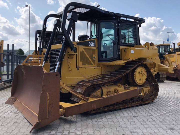 Caterpillar D6R2 Dozer with MS-ripper - 2015