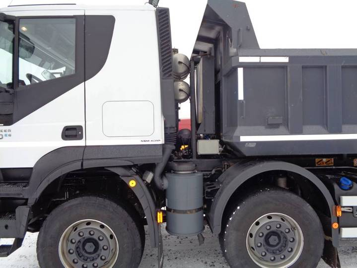 Iveco Trakker 410 T 10x4 - 2018 - image 4