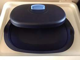 Tupperware rectangle dish with lid