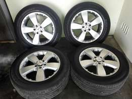 """Mercedes Benz 18"""" Ml series original Mags and tyres"""