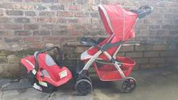 Chelino Travel System for sale at R1800 ,contact Elissa