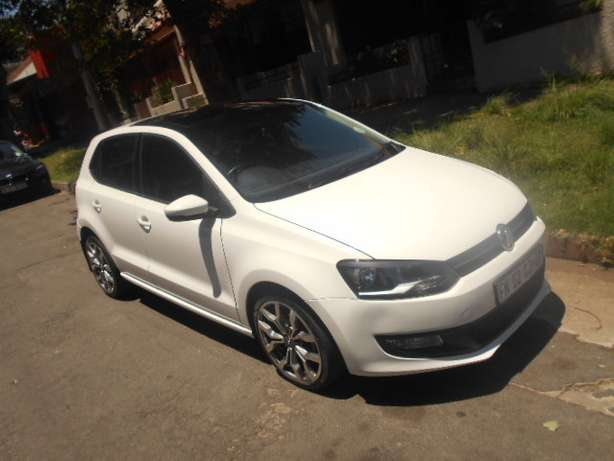 2013 VW Polo 6 1.4 with mags and a panoramic sunroof for sale Johannesburg - image 2
