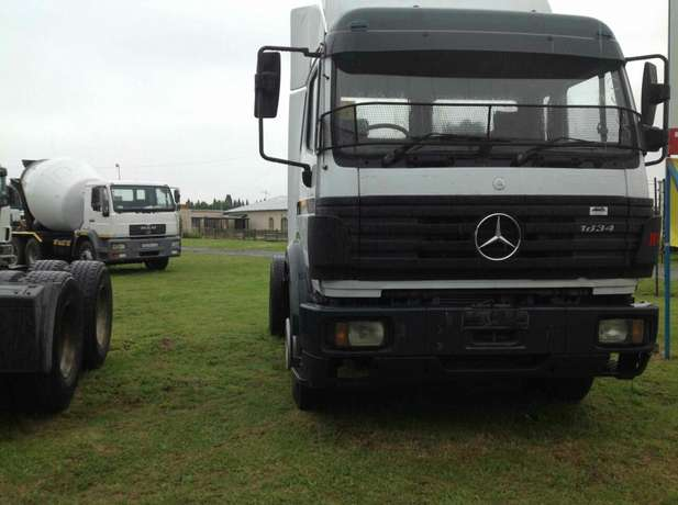 Mercedes Benz 1834 single axle on special Springs - image 4