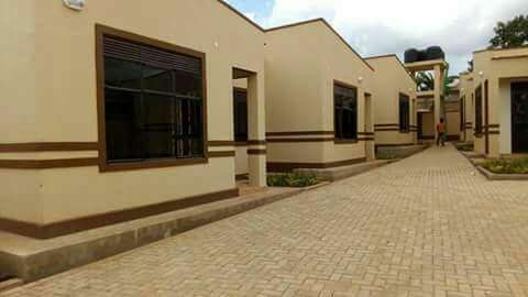 Complete sitting room and bedroom for rent in Najera at 400k Kampala - image 2