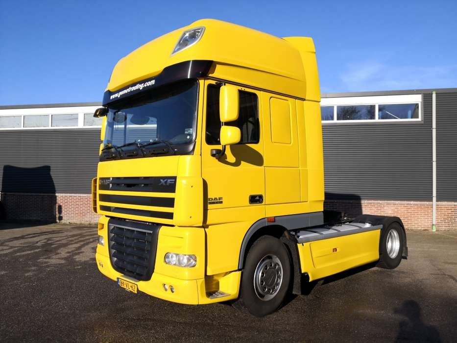 DAF XF105-410 4x2 SuperSpaceCab Euro5 - Retarder - 2 tanks - ... - 2010