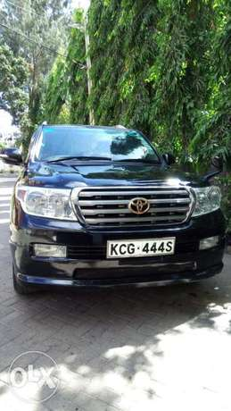 Very clean in a very good condition Mombasa Island - image 2