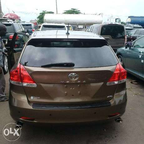 Toyota Venza 2011 Thumb start/navigation. Direct tokunbo Apapa - image 5