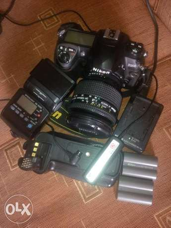 Clean Nikon D200 with accessories for sale Ojodu - image 1