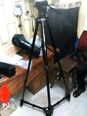 Photo tripod stand with tyre/motor Alaba - image 4