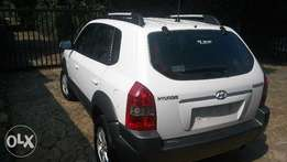 2007 Model manual drive Hyundai Tucson for sale