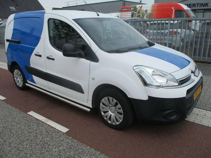 Citroën Berlingo 1.6 HDI AIRCO SCHUIFDEUR 113.000KM MARG - 2013