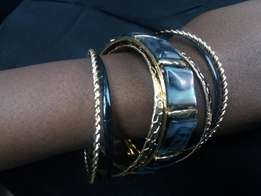 Bangles 7 to 9 pieces