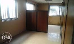 F/S:Solid 4 Flrs Building Of 8 Units 4 Bedrm Flt With 2 Gates At Apapa