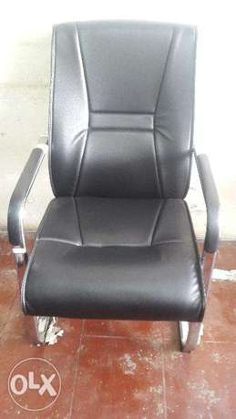 Ongoing offer on executive visitor chair Mombasa Island - image 1