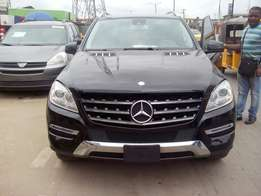 Mercedes ML350 4Matic fee months used super clean 013 full option