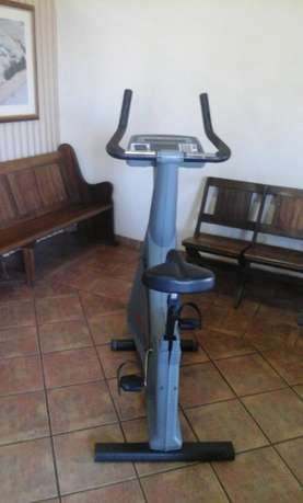 Used Life Fitness Exercise Bike for sale Heidelberg - image 6