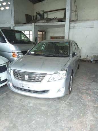 Clean Toyota premio (new shape) for sale. Muthua - image 2