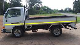 Nissan Cabstar 2 tonner truck 2007 low km one owner mint R140k neg