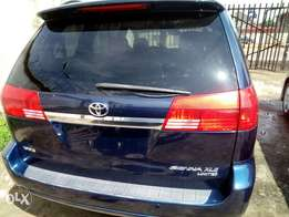 Toyota Sienna 04 full option/limited edition