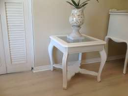 Vintage wood lamp table in French white