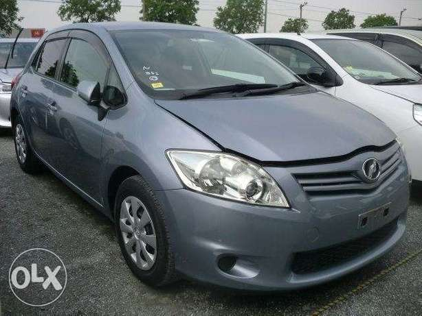 Toyota Auris metallic blue colour 2010 model excellent condition Kilimani - image 1