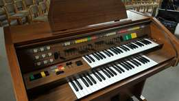well maintained Hohner Symphonie electro organ D68 fully equipped 51
