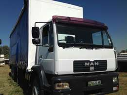 MAN M2000 curtain body