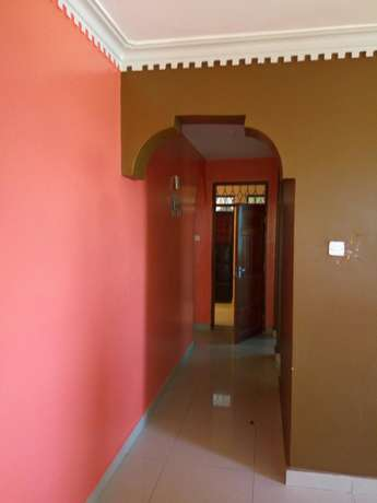 Smart two bedroom apartment to let Bamburi - image 4