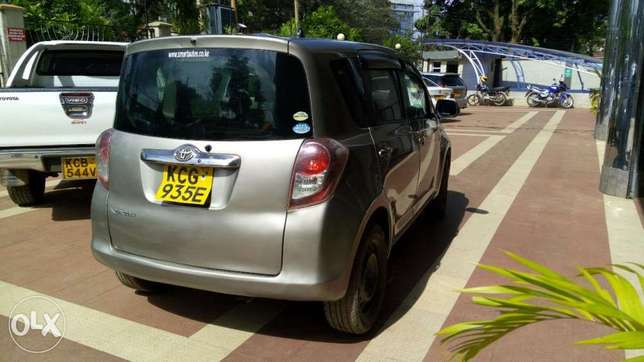 Toyota Ractis uber ready very clean 50% financing terms accepted Westlands - image 2