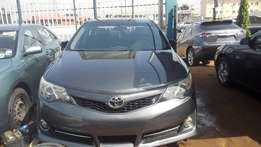 2013 toyota camry LE tokunbo v4 full option automatic gear transmissio
