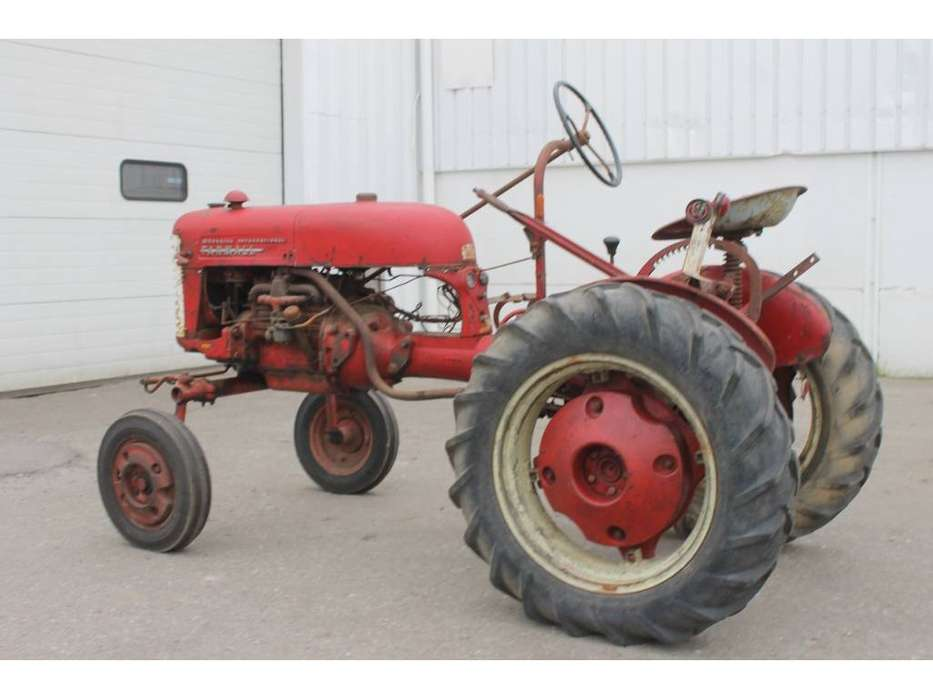 McCormick International Farmall FF Cup Tractor *DEFECT* - image 3