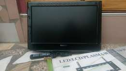 19inches Thomson digital with remote and wallmount